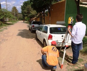 verificação topográfica no Bosque dos Pinheiros