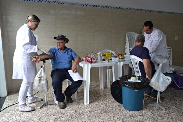Servidores do SAAE passam por exames médicos