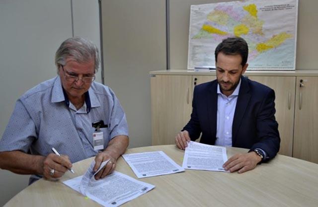 SAAE assina mais dois convênios junto ao FEHIDRO