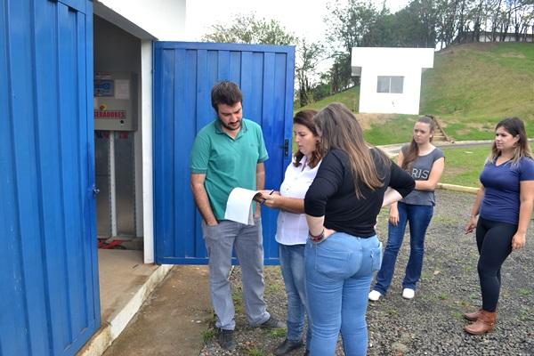 Estudantes de Engenharia Civil visitam Estação de Tratamento de Esgoto do DIC I